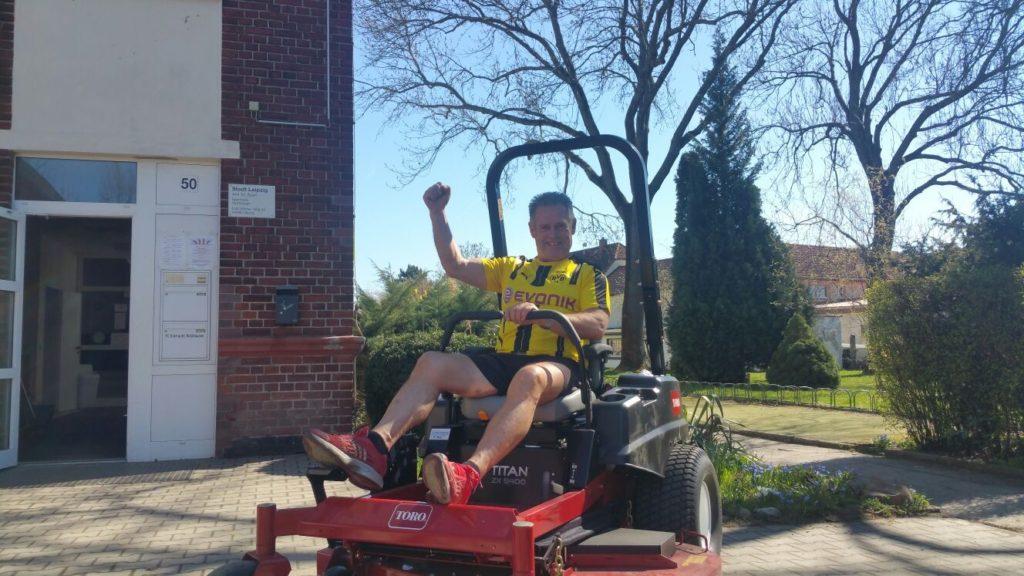 VEREIN | Neuer Rasenmäher angeschafft
